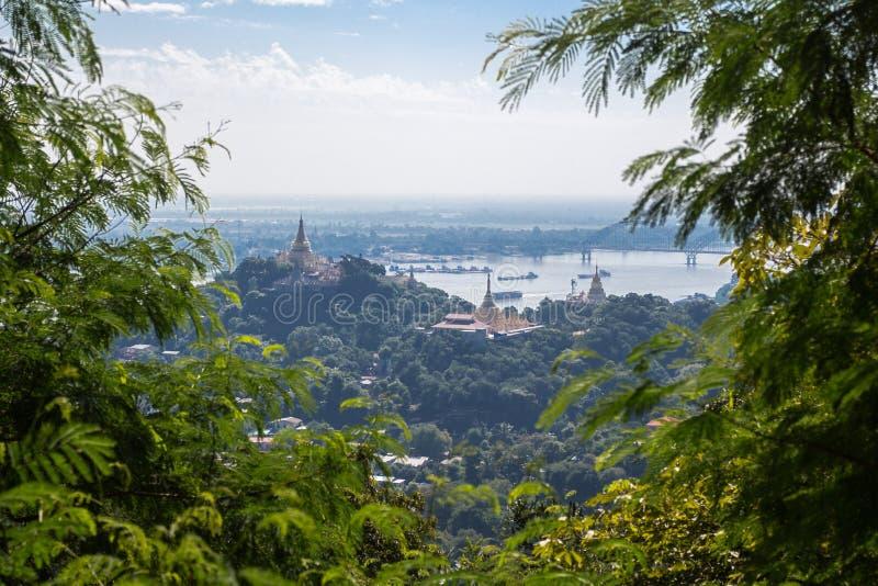Vista do monte de Sagaing foto de stock