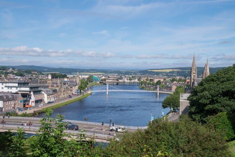 Vista do Ness do rio e do Inverness, Escócia fotos de stock