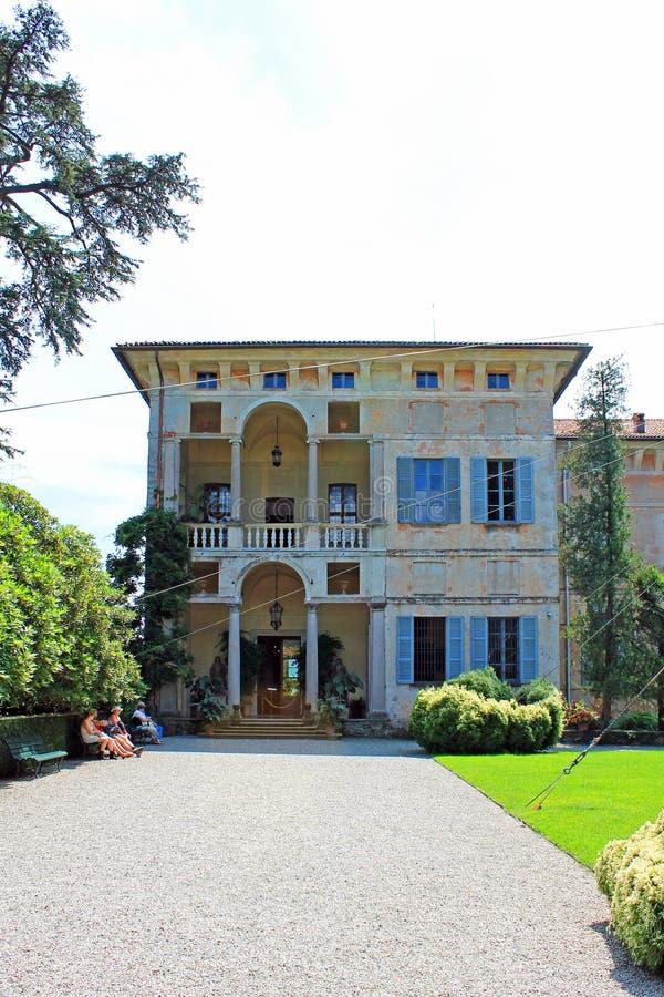 Vista do palácio na ilha de Isola Madre Itália fotos de stock royalty free