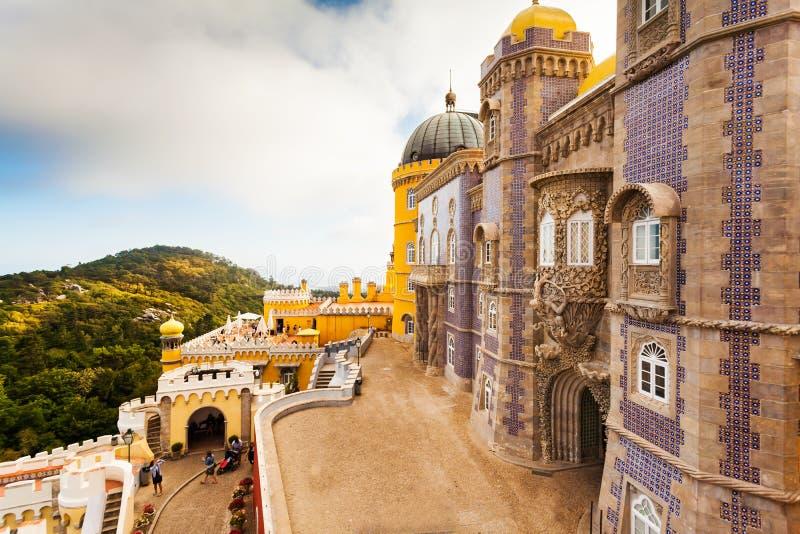 Vista do palácio nacional de Pena em Sintra, Portugal fotografia de stock royalty free