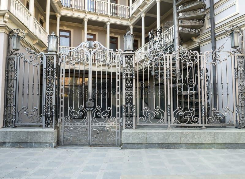 Vista do palácio presidencial em Tbilisi fotos de stock royalty free