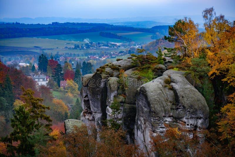 Vista do paraíso checo ou boêmio cesky do raj - - Boêmia - república checa fotografia de stock royalty free