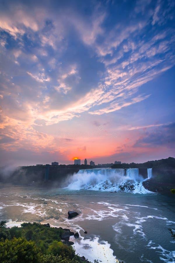 Download Vista Do Parque De Niagara Falls Imagem de Stock - Imagem de manhã, nave: 65578695