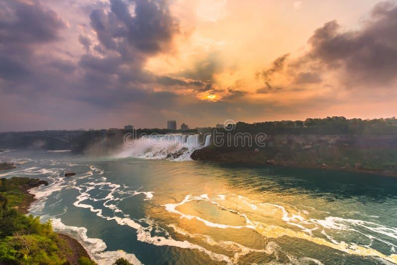 Download Vista Do Parque De Niagara Falls Imagem de Stock - Imagem de canadá, quedas: 65578805
