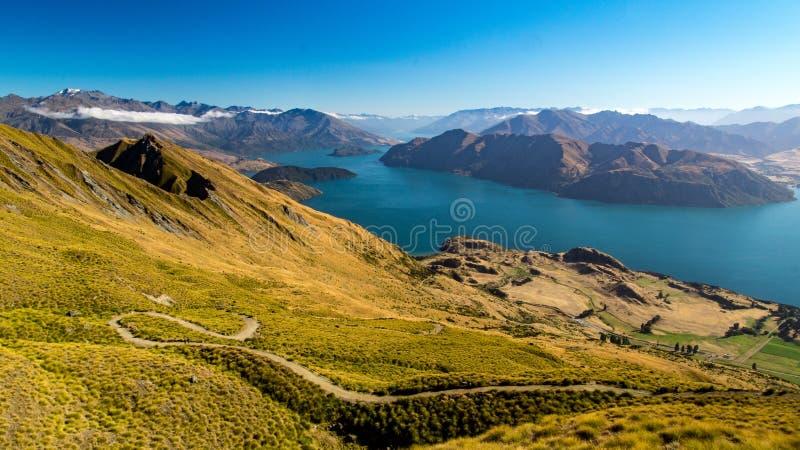 Vista do pico do ` s de Roy em Wanaka, Nova Zelândia fotografia de stock