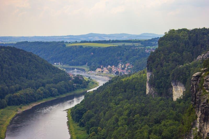 Vista do ponto de vista de Bastei em Suíça saxão, Alemanha a t fotografia de stock royalty free