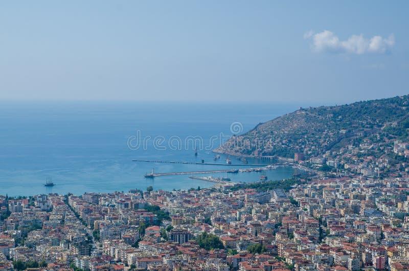 Vista do porto de Alanya antes do por do sol Paisagem bonita do mar do castelo de Alanya no distrito de Antalya, Turquia fotografia de stock royalty free