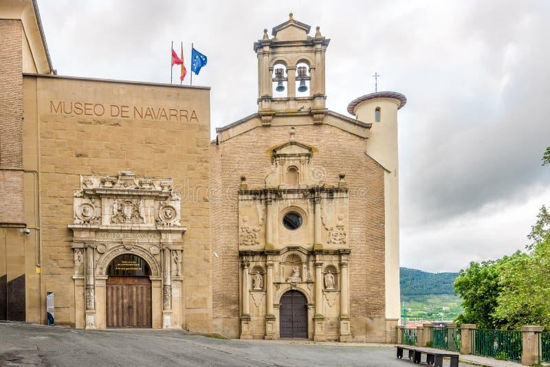 Vista do prédio do Museu Navarra em Pamplona - Espanha fotografia de stock royalty free