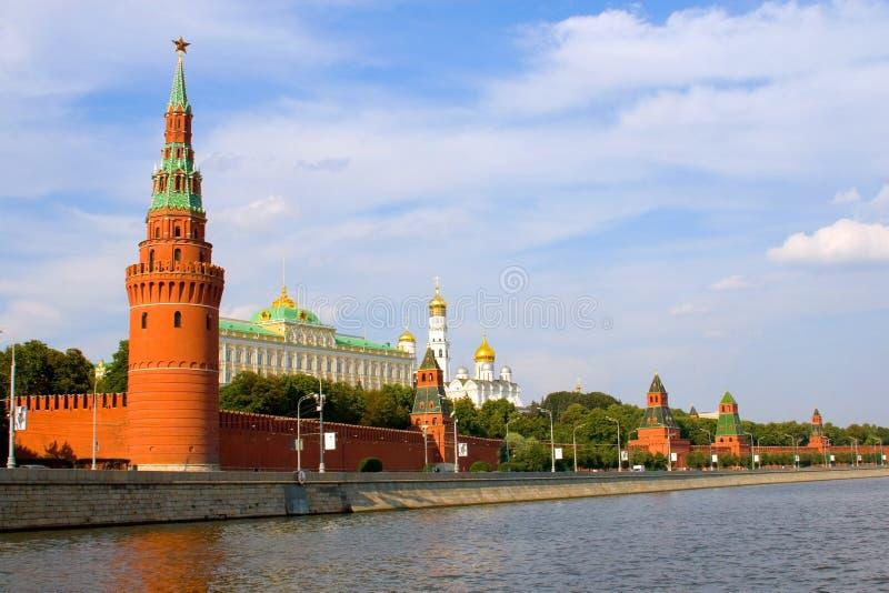 Vista do rio de Moscovo fotografia de stock royalty free