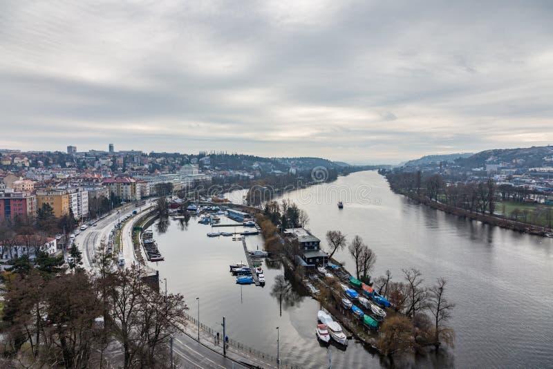 Vista do rio de Vltava e da cidade, Praga, República Checa imagens de stock royalty free