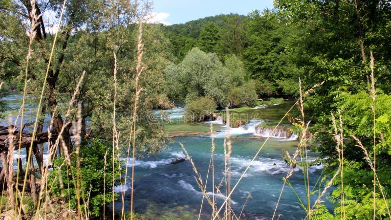 Vista do rio Una em Bósnia imagem de stock