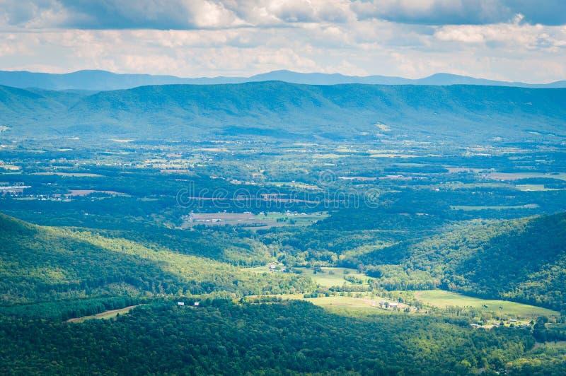 Vista do Shenandoah Valley e das montanhas apalaches do imagens de stock