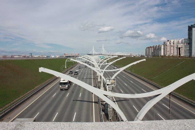 Vista do St Peterburg da estrada fotos de stock royalty free