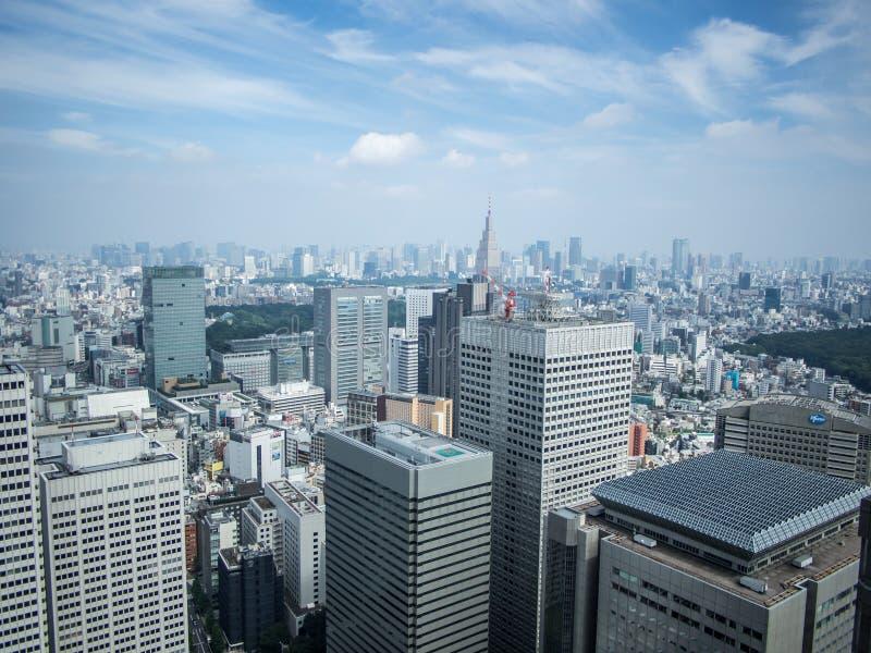 Vista do Tóquio do  metropolitano do åº do ½ do ±äº¬éƒ do  do æ da construção do governo, Shinjuku, Japão fotos de stock