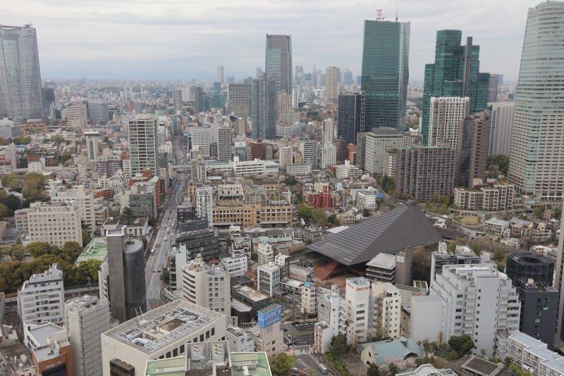 A vista do Tóquio na torre do Tóquio imagens de stock