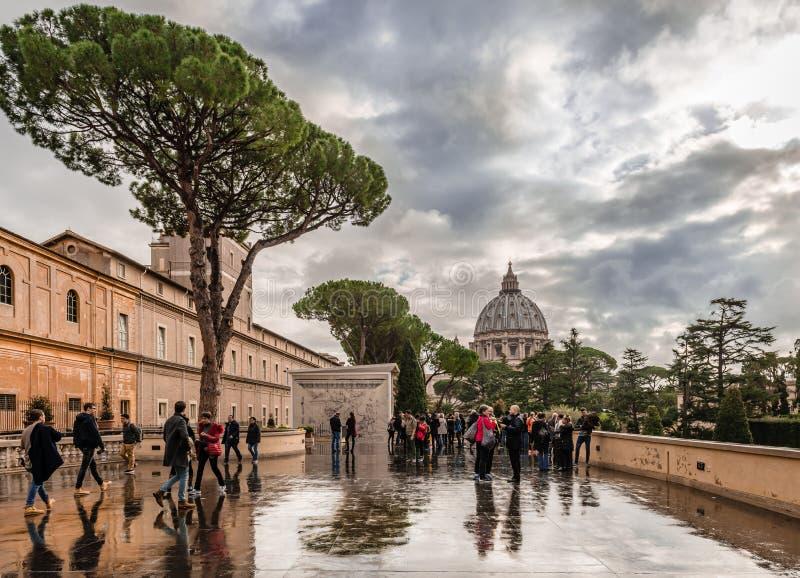 Vista do terraço do museu do Vaticano imagem de stock royalty free