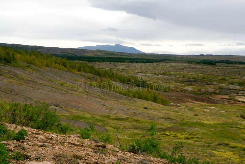 Vista do vale Haukadalur, Islândia imagem de stock