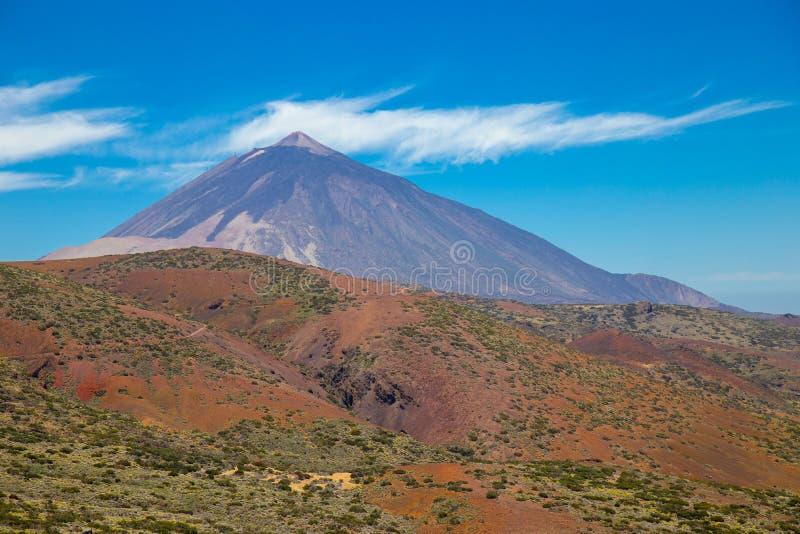 Vista do vulcão bonito Teide no verão foto de stock royalty free