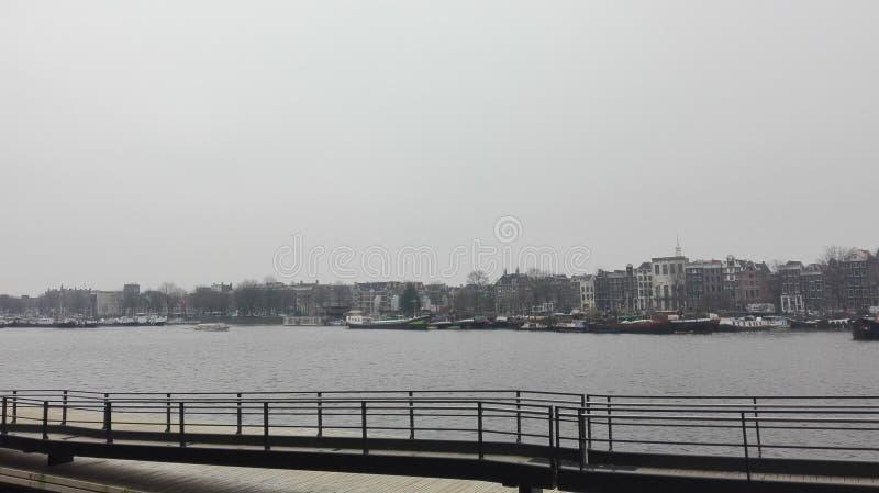 Vista dos canais do detalhe de Amsterdão fotografia de stock royalty free