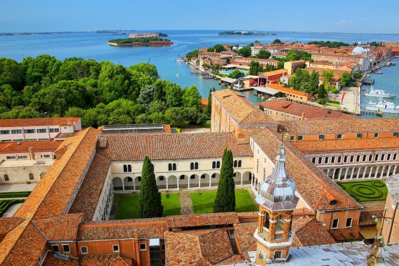 Vista dos pátios de San Giorgio Monastery e de Giudecca isl imagem de stock
