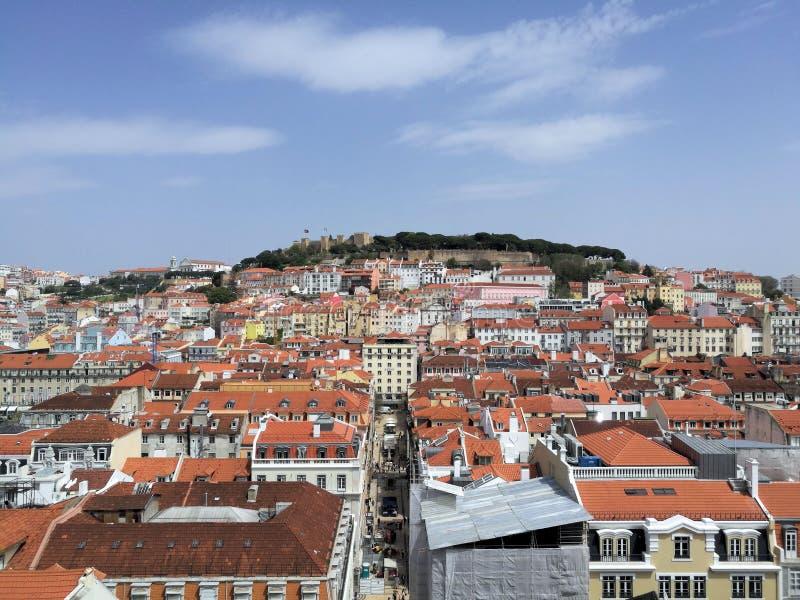 Vista dos telhados da cidade em Lisboa Portugal fotografia de stock royalty free