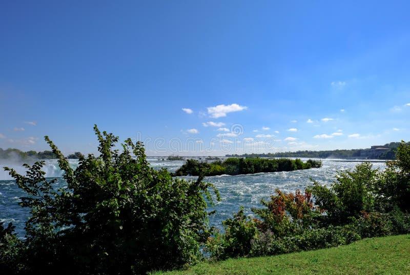 Vista dramática del Niagara Falls famoso, en Ontario, Canadá foto de archivo libre de regalías