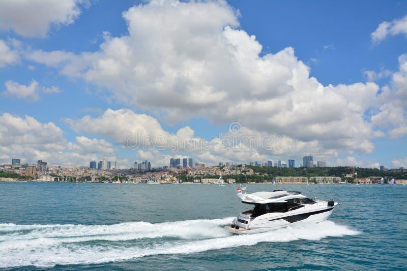 Vista e vista de Bosphorus, Istambul, Turquia fotografia de stock