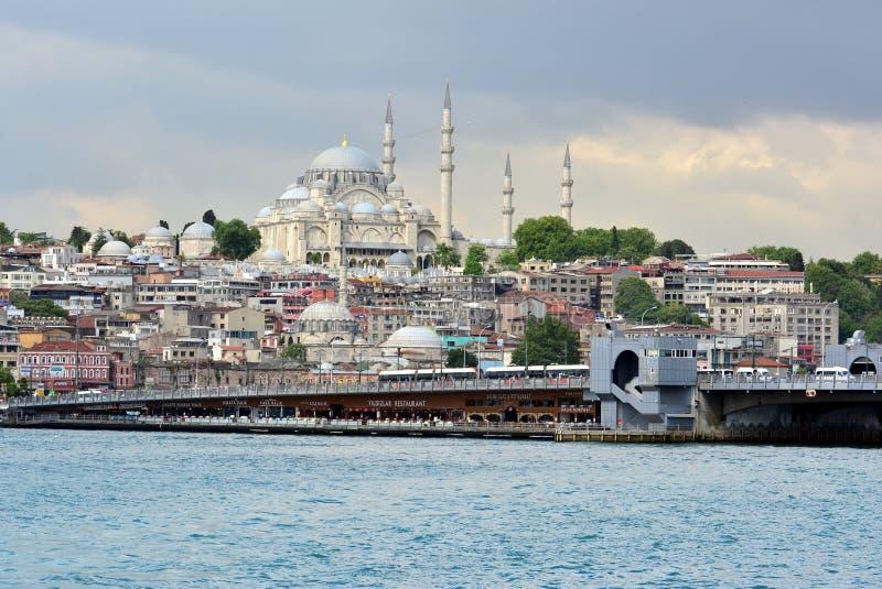 Vista e vista de Bosphorus, Istambul, Turquia Mesquita azul foto de stock royalty free