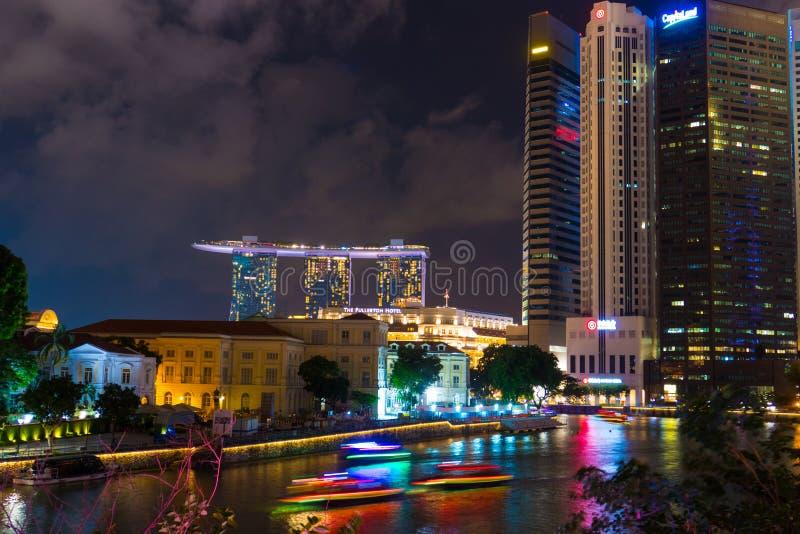 Vista e Marina Bay Sands Hotel di notte di paesaggio urbano di Singapore immagine stock libera da diritti