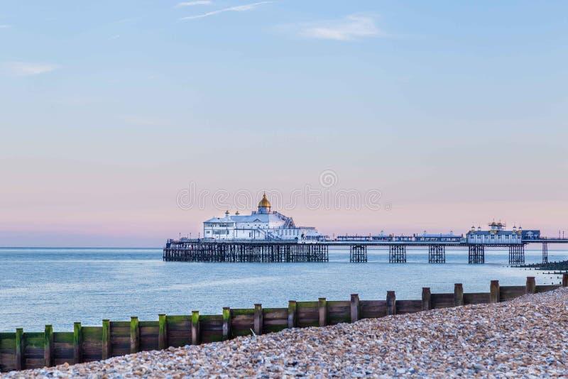 Vista Eastbourne, Regno Unito della città fotografia stock