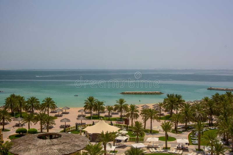 Vista elevado do Golfo Pérsico perto de Doha, Catar foto de stock royalty free