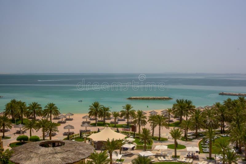 Vista elevata del golfo persico vicino a Doha, Qatar fotografia stock libera da diritti