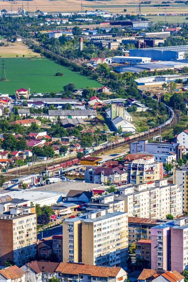 Vista elevata della città di Deva, Romania fotografia stock