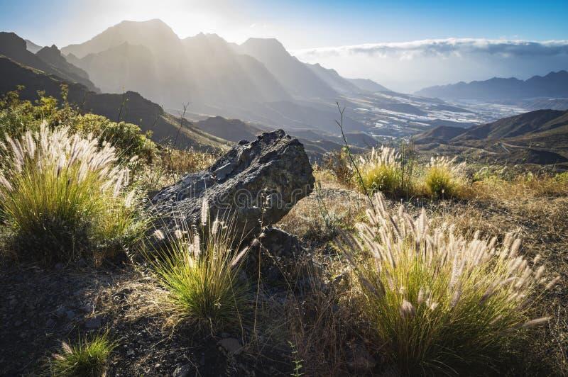 Vista em montanhas da ilha de Gran Canaria, Espanha foto de stock royalty free