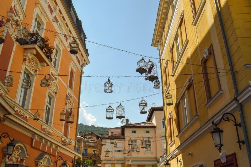 Vista em ornamento bonitos em Opatija, Croácia da rua fotos de stock