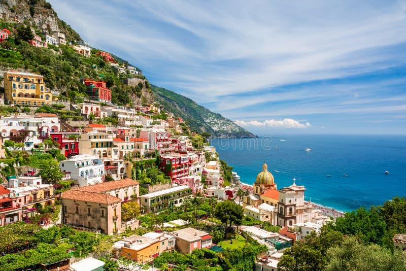 Vista em Positano na costa de Amalfi, Campania, Itália foto de stock royalty free