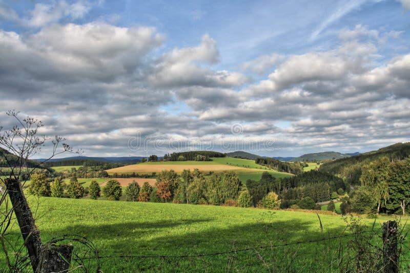 Vista em Sauerland, Alemanha, Europa fotografia de stock