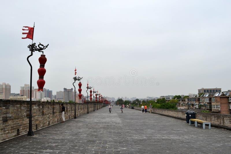 A vista em torno Xi do ` uma parede da cidade durante o dia nebuloso O PIC foi tomado imagem de stock