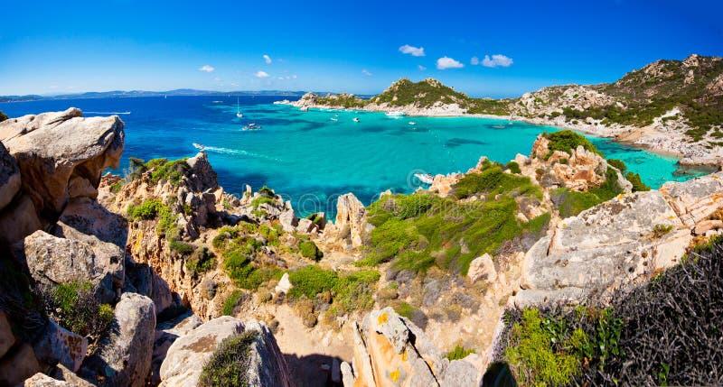 Vista emocionante de la isla de Spargi - Cerdeña imágenes de archivo libres de regalías