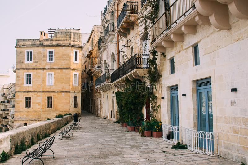 Vista en el centro de Senglea, L-Isla, Malta imagenes de archivo
