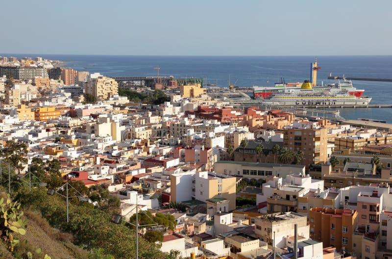Vista encima de Almería, España fotos de archivo