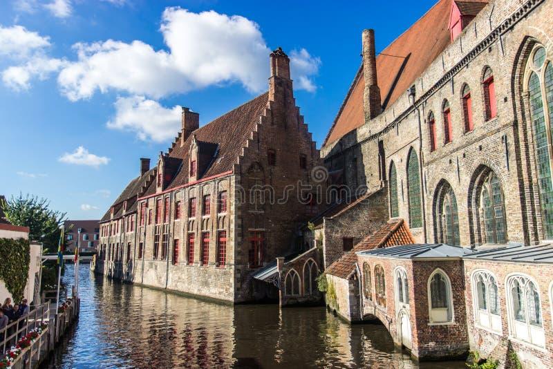 Vista ensolarada de Bruges foto de stock royalty free