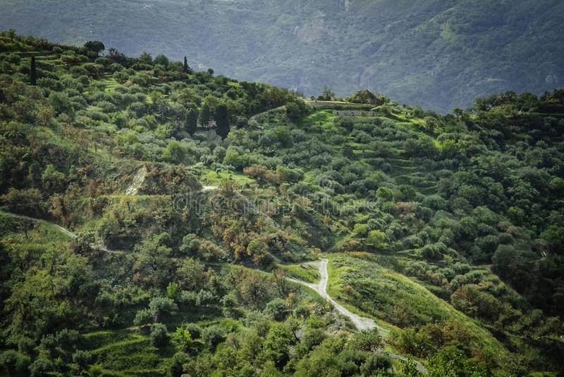Vista escénica colorida espectacular de las colinas de Savoca en Sicilia imagen de archivo libre de regalías