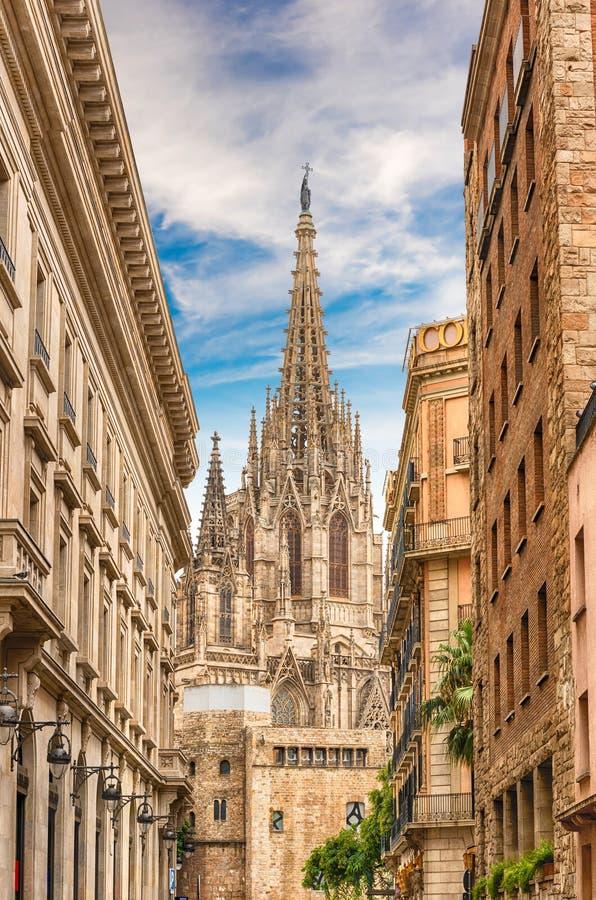 Vista escénica de la catedral de Barcelona, Cataluña, España foto de archivo