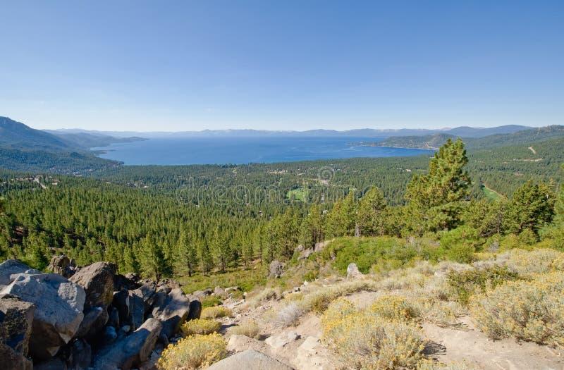 Vista escénica de Lake Tahoe foto de archivo