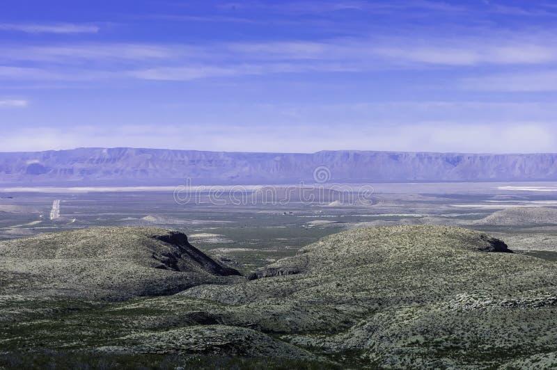 Vista escénica de tierras de labrantío fotos de archivo libres de regalías