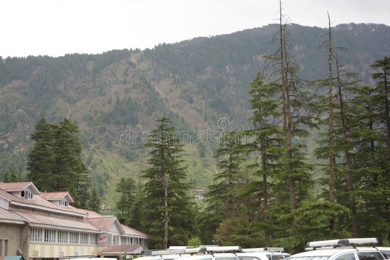 Vista escénica de una colina fotos de archivo