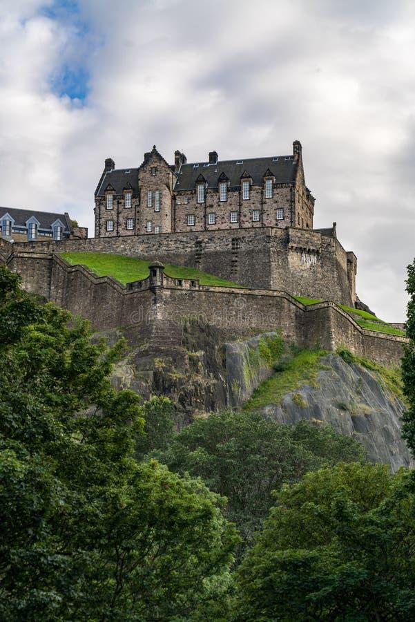 Vista escénica del castillo de Edimburgo en Castle Rock, Edimburgo foto de archivo