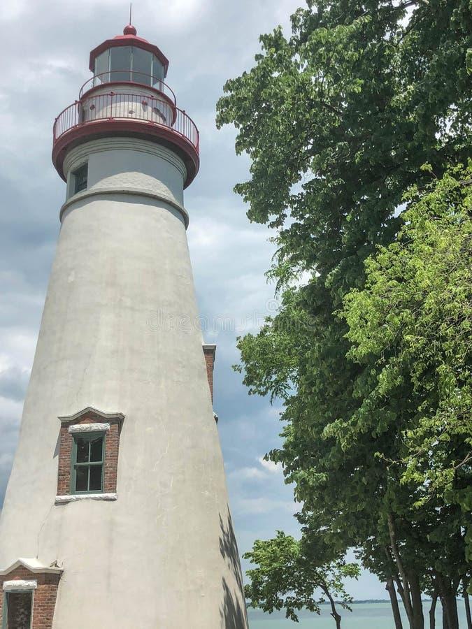 Vista escénica del faro blanco de Marblehead en Ohio foto de archivo libre de regalías