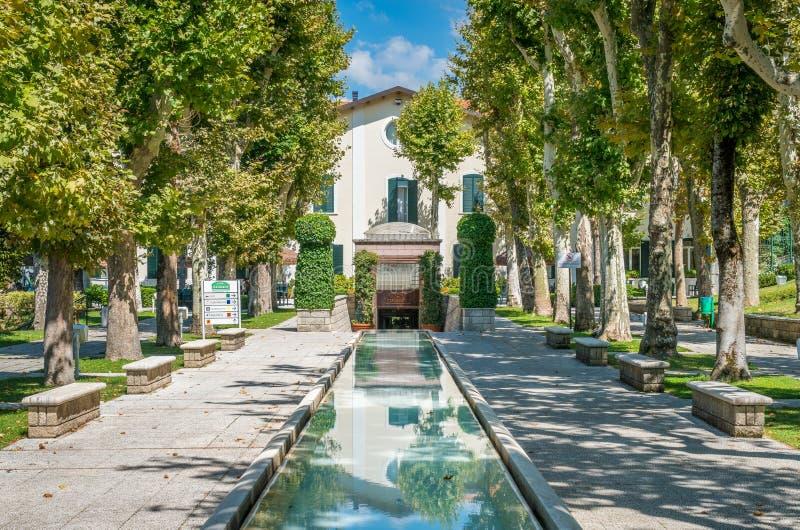 Vista escénica en Caramanico Terme, comune en la provincia de Pescara en la región de Abruzos de Italia imagen de archivo libre de regalías